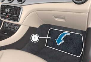 2013-2017 Mercedes-Benz CLA (W117) Fuse Box Diagram