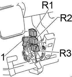 04-'10 Infiniti QX56 Fuse Box Diagram